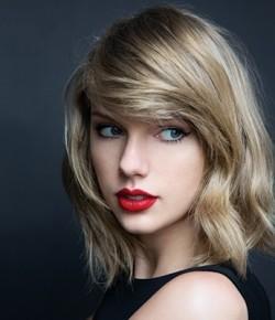 2014: TAYLOR SWIFT