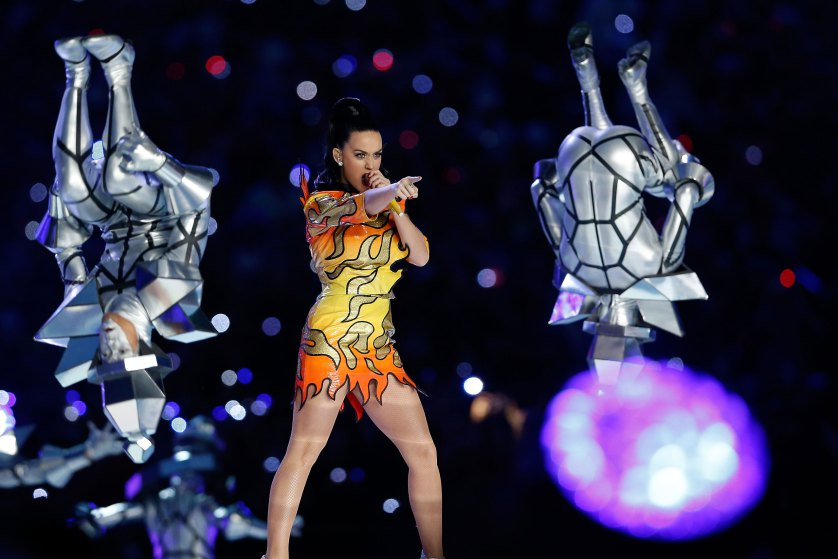 İZLEYİN: KATY PERRY'NİN SUPER BOWL PERFORMANSI
