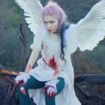 YENİ VİDEO: GRIMES – FLESH WITHOUT BLOOD/LIFE IN THE VIVID DREAM