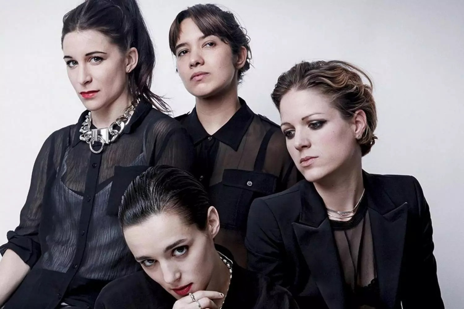 YENİ VİDEO: SAVAGES – THE ANSWER