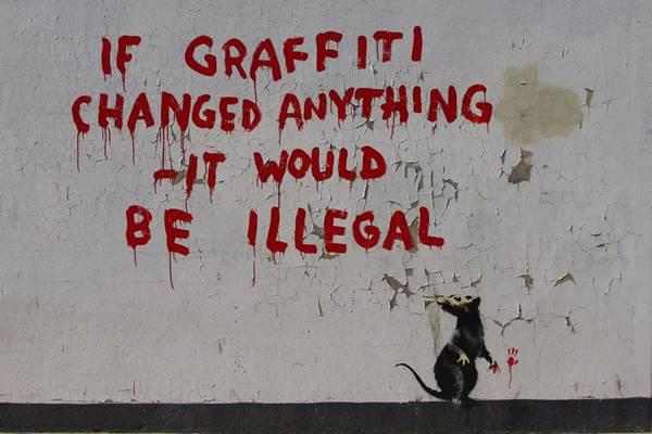 sokaksanatibanksy-graffiti
